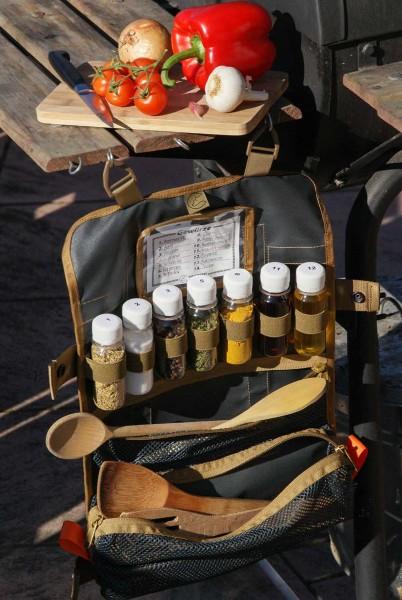 Rolltasche mit 7 Gewürzbehältern